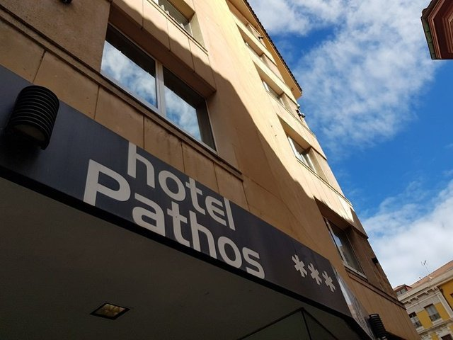 Fachada hotel city house pathos gijón