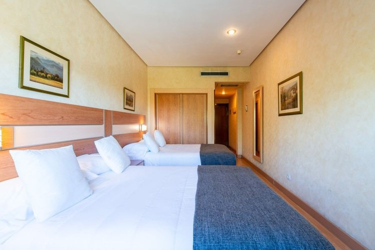 Quarto duplo hotel faranda florida norte madrid