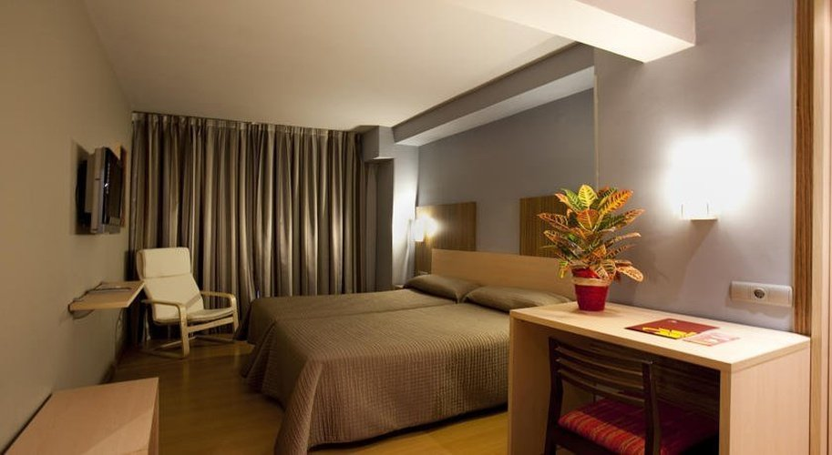 Quarto superior hotel city house alisas santander